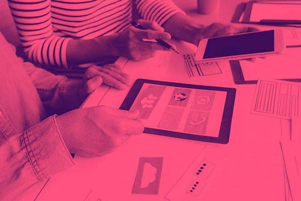 Aplicaciones móviles e hiperpaternidad: Gadgets sobreprotectores