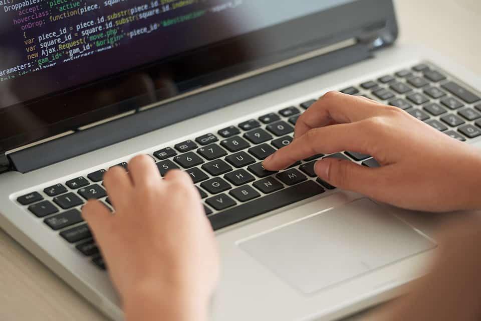 Descubre la diferencia entre desarrollador backend y frontend